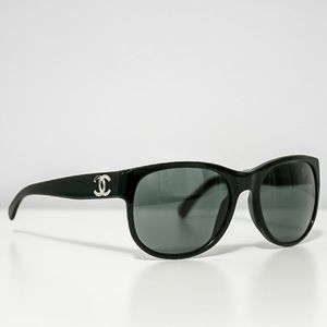 🆕 CHANEL 5182 CC Logo Wayfarer Sunglasses - Black